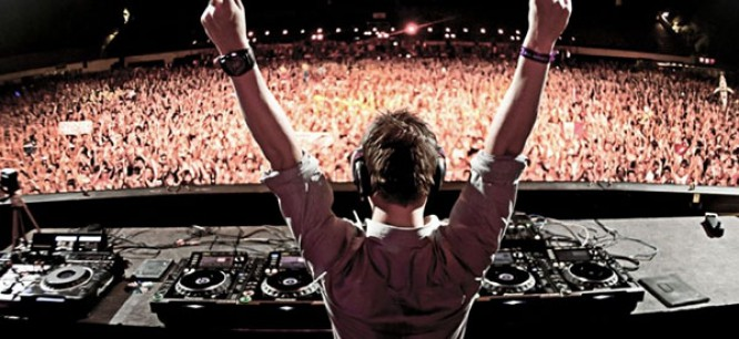 """Dash Berlin & Jay Cosmic Collaborate On """"Here Tonight"""" Featuring Collin McLoughlin"""