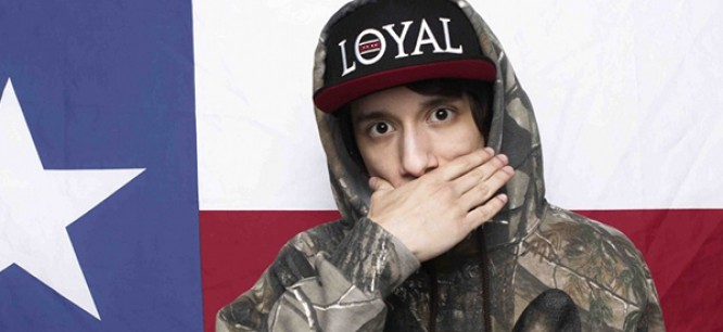 Crizzly Gets Punched In The Face By Oscar Wylde Of CAKED UP (Video)