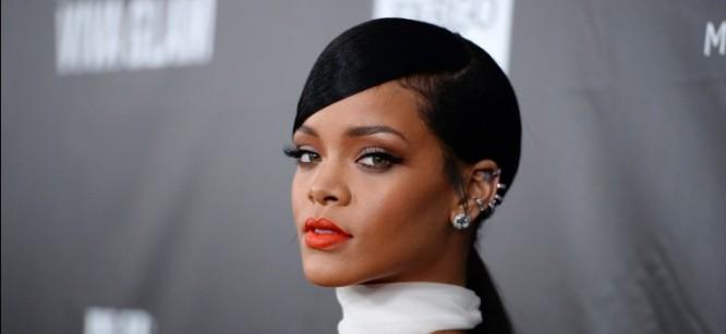 "Rihanna Takes On Dubstep With New Track ""World Peace"""