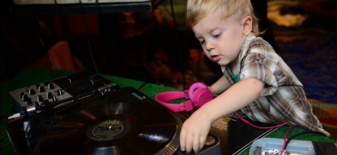 New Studio Teaches Kids How to DJ