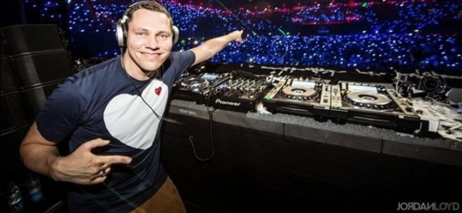 "Tiesto and MOTI Release Official Music Video For ""Blow Your Mind"""