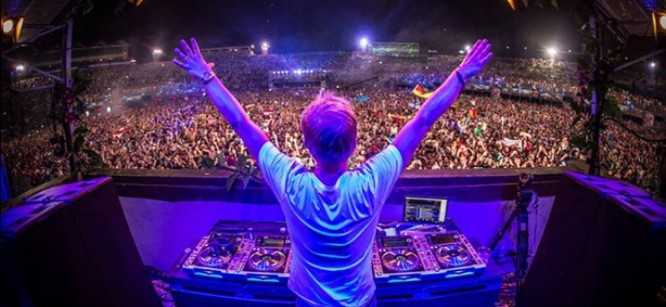 Armin van Buuren Previews His Tomorrowland 2015 Set