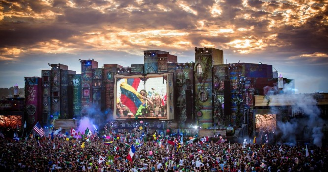 EDM.com Premiere: Check Out This Incredible Time-Lapse Video Of TomorrowWorld 2014
