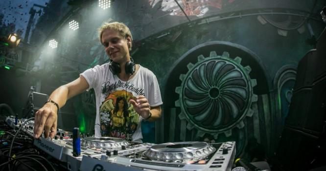 Armin van Buuren's Brand New Track Debuts On Billboard Charts