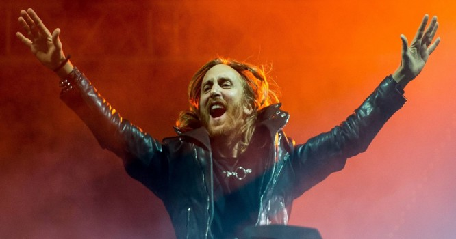 David Guetta Accepts ICON Award With Legendary Producer Quincy Jones