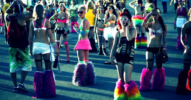 10 People You Always See At An EDM Show