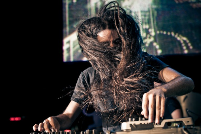 Bassnectar Calls Out Republican Presidential Candidate Jeb Bush At Red Rocks Show [VIDEO]