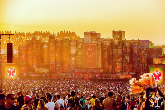 Watch The Official Aftermovie From The 2015 Tomorrowland Brasil