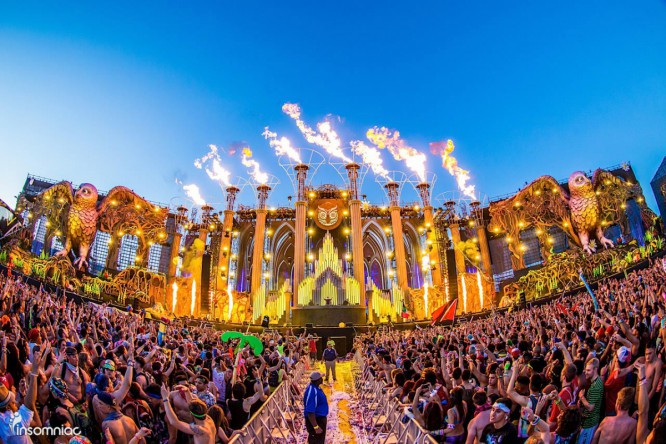 Go Behind The Scenes OF Electric Daisy Carnival [VIDEO]