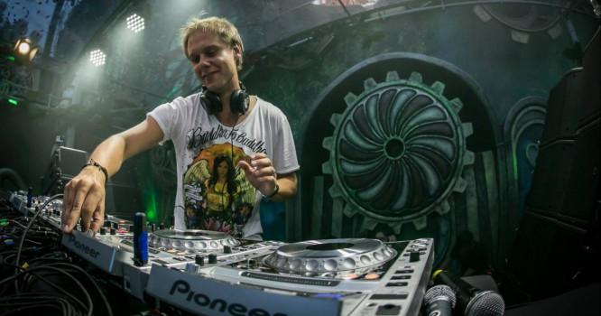 Armin van Buuren Explains Why Earning $100,000 For A DJ Gig Is Not That Crazy