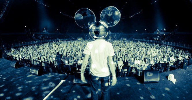 Hear Deadmau5 Rock A Bass Guitar In This New Version Of 'Are You Not Afraid?'