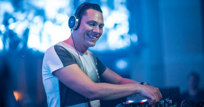 Listen To Tiesto's New Edit Of 'Fighting For' By Wee-O