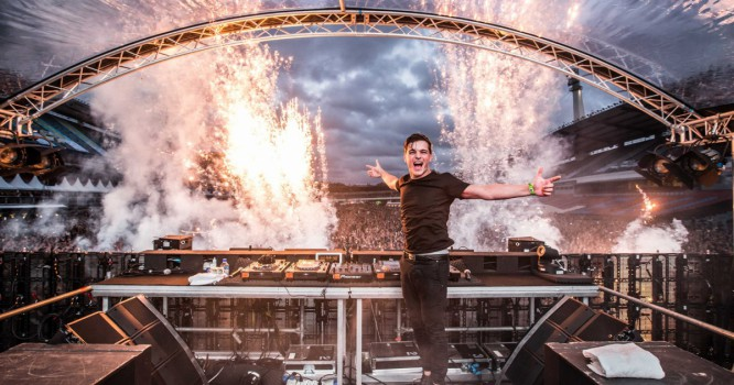 Watch Martin Garrix Open His New Multiply Show With Oliver Heldens [VIDEO]
