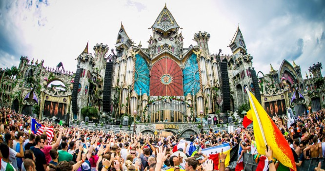 Stream Live Sets From Avicii, Steve Aoki & More At Tomorrowland