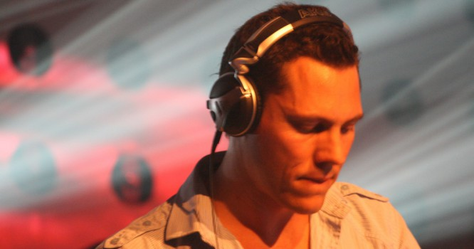 Tiesto Releases Official Preview To New Edit Of 'L'Amour Toujours'