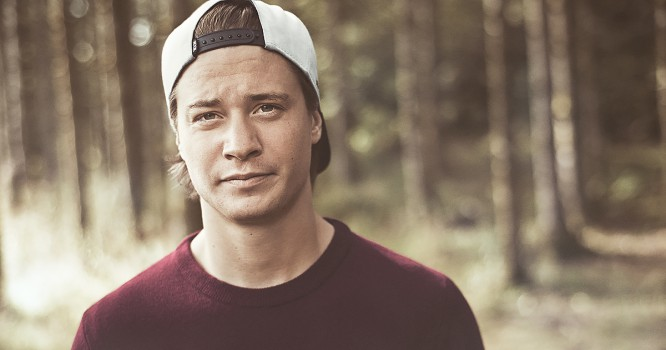 Kygo Premieres Highly Anticipated Collaboration With Legendary Band