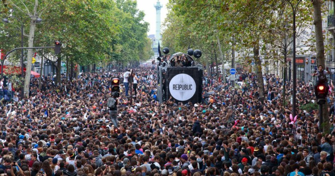 Man Falls To His Death After Climbing Monument At Techno Festival