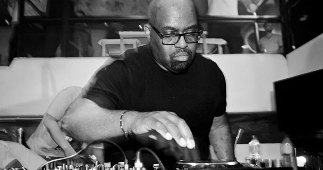Frankie Knuckles' Vast Vinyl Collection Is Now Open To The Public