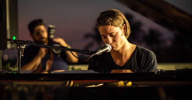 Kygo Releases New Studio Piano Jam