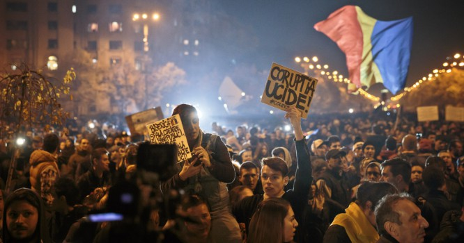 Romanians Protest For Justice After Tragic Nightclub Fire [VIDEO]