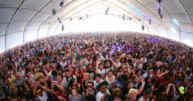"""Rapper YG Gets Massive Coachella Crowd Chanting """"F-ck Donald Trump"""""""