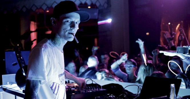 deadmau5 Tears Into TomorrowLand, Fake DJs, Thieves
