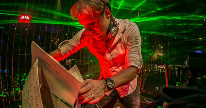 Armin Van Buuren Proves Vinyl Sets Aren't Just for the Underground Anymore