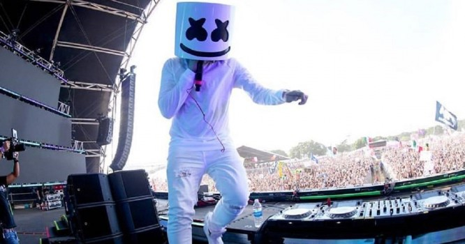 Marshmello Took Off His Helmet During Electric Daisy Carnival Set [WATCH]