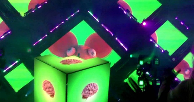 Check Out deadmau5's New Live Show Debuted at Veld Fest [VIDEO]