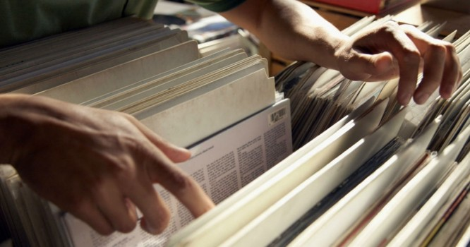 Study Finds Most Vinyl Buyers are Middle-Aged and Alone