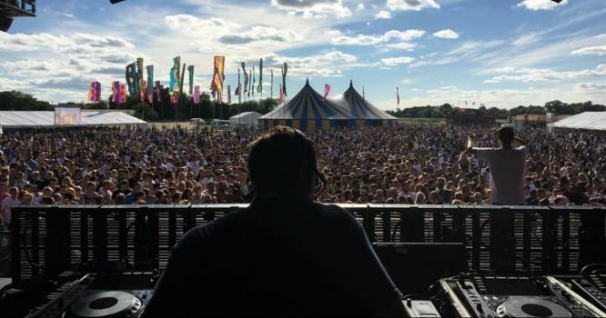Gunman at UK Music Festival is Still At Large