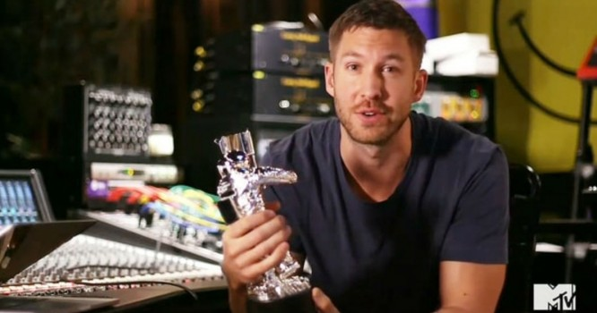 Calvin Harris Takes Home Two Awards at the VMAs