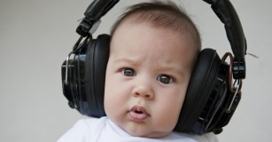 Playing techno beats to test tube babies could make them bigger