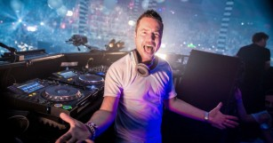 "Sander Van Doorn Dropped His Latest Killer Anthem ""Mant Array"" [LISTEN]"