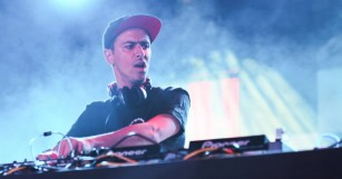 """Take a Page from Boys Noize's Playbook With Massive """"Mayday"""" Sample Pack"""