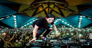 Check Out Skrillex's Full Set From Burning Man With Insane Visuals [WATCH]